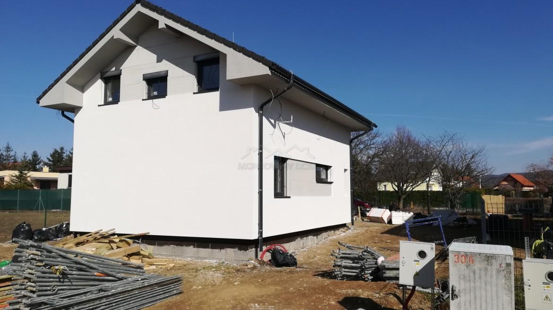 Poschodový dom na Zelenej vode