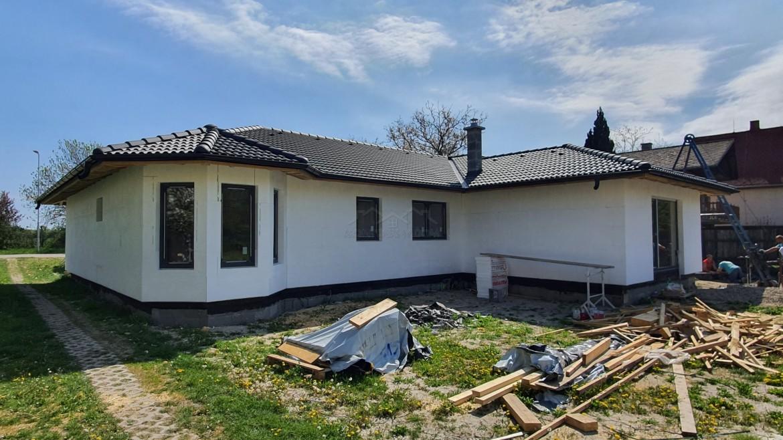 Dom vo Vojke nad Dunajom